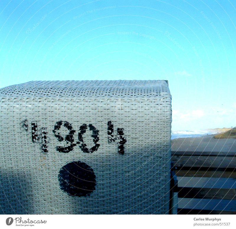 Strandkorb Nr. 4904 Himmel blau weiß Ferien & Urlaub & Reisen Sommer schwarz Freiheit springen Küste Freizeit & Hobby Ausflug frei leer Ziffern & Zahlen