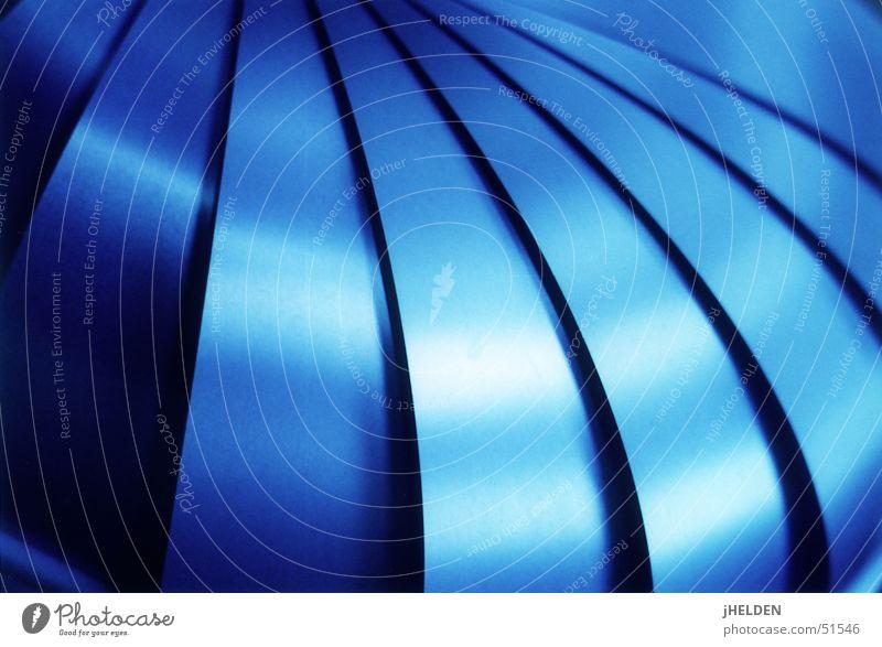 shades of blue blau kalt Stil Metall geschlossen modern Coolness Industrie rund Küche Design obskur Eisen Blech Korb