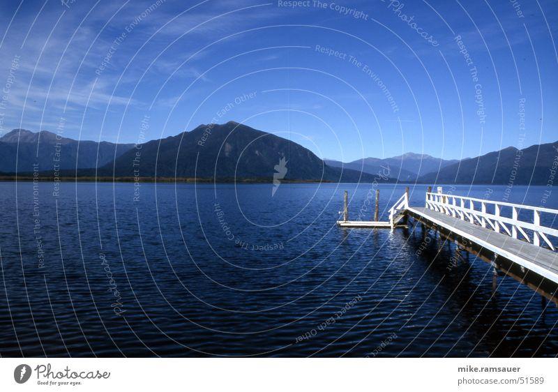Deep Blue Something Himmel weiß blau See groß Aussicht Steg Neuseeland Gebirgssee