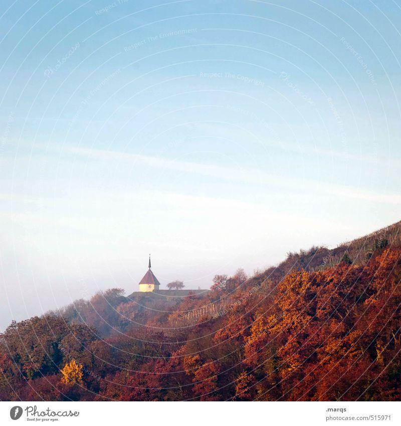 Kapelle Himmel Natur blau schön Pflanze rot Landschaft Wald Herbst Gebäude Religion & Glaube Stimmung orange Nebel Klima Schönes Wetter