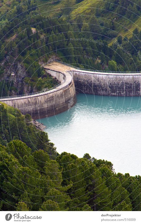 Einen Bogen um das Wasser gemacht... Umwelt Landschaft Sommer See alt ästhetisch Stausee Staumauer grau Wald Reflexion & Spiegelung Patina Alpen Frankreich