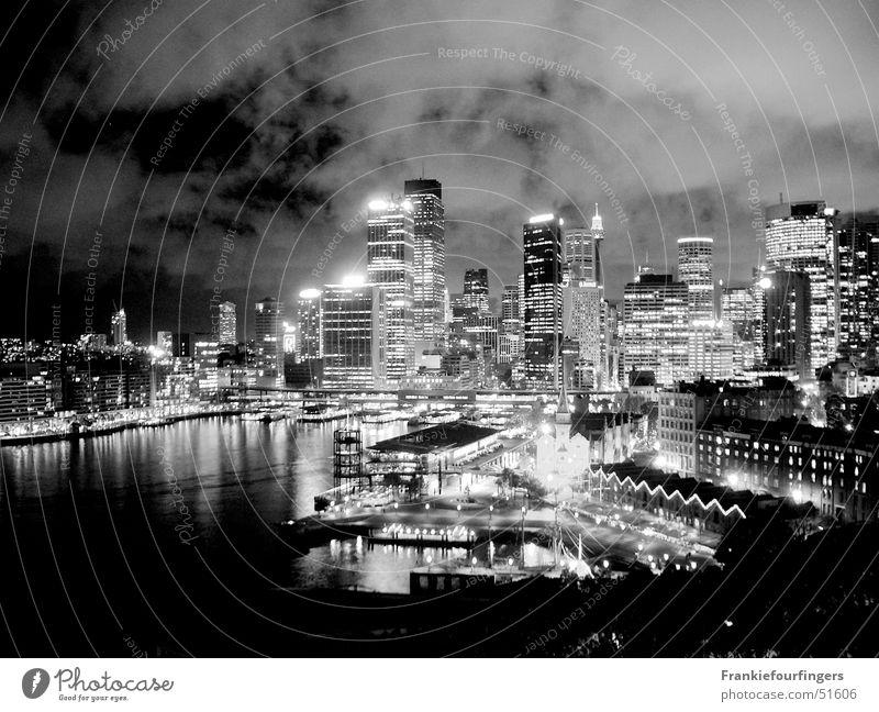 Sydney Skyline Wasser Stadt Wolken kalt Architektur Sand Stein Gebäude Metall Glas Beton ästhetisch Brücke Dach Bauwerk Hafen