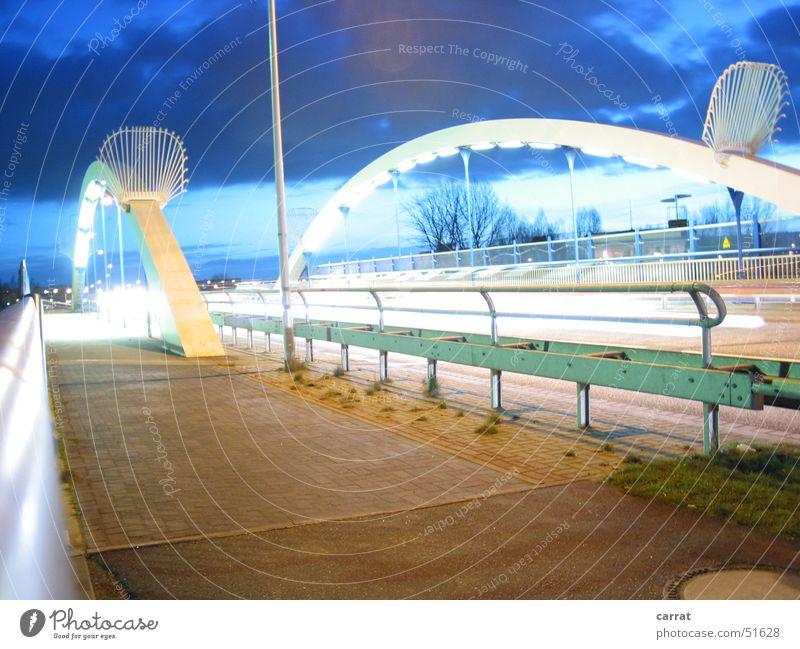 Over the Bridge Rostock Nacht Langzeitbelichtung Kunst Brücke Eisenbahn Architektur