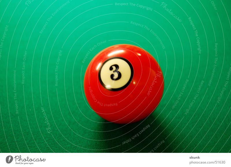 3er Ball Billardkugel rot Spielen 3er ball Kontrast Schatten