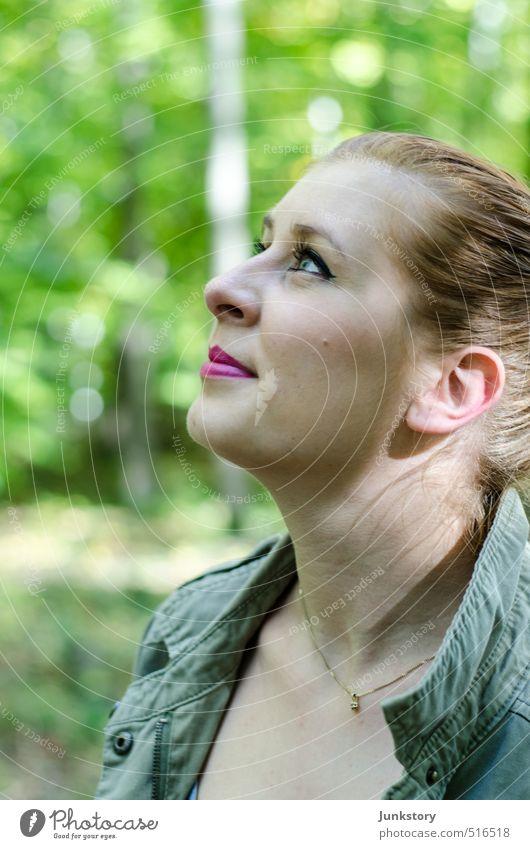 eyes in the sky Mensch Frau Jugendliche schön grün Junge Frau Erwachsene Auge feminin Haare & Frisuren Glück Denken Kopf Haut Lächeln Mund
