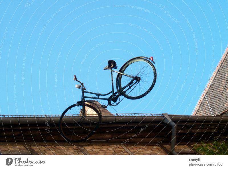 Luftsprünge alt Himmel Fahrrad Dach