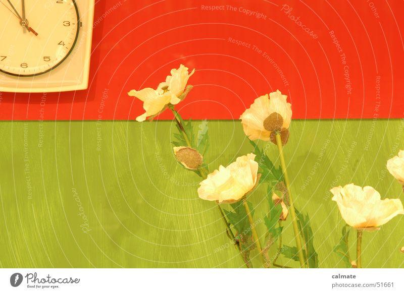 - retrostyle III - Blume Zeit Dekoration & Verzierung Uhr Nostalgie Siebziger Jahre Erinnerung Sechziger Jahre Kunstblume Wanduhr