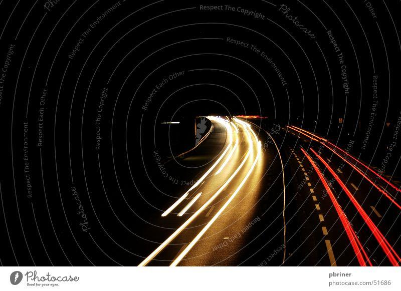 nächtlicher überholvorgang überholen Nacht Licht PKW
