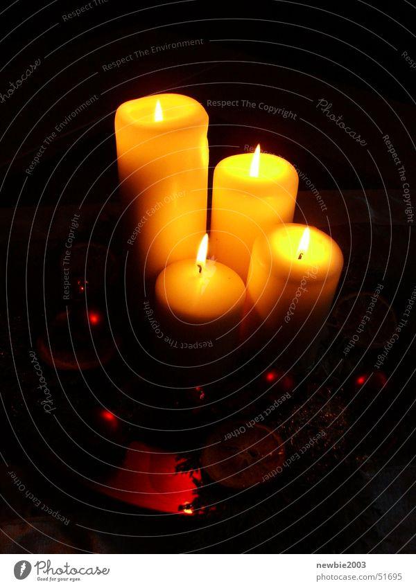 Weihnachtskerzen dunkel Wärme Kerze Physik Adventskranz
