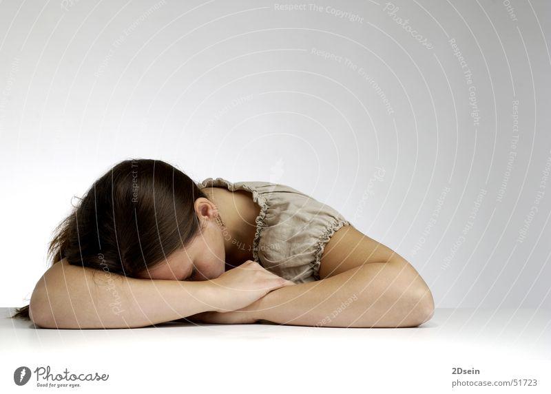 Schlaf schlafen Mädchen Frau weiß Licht brünett hell sleep