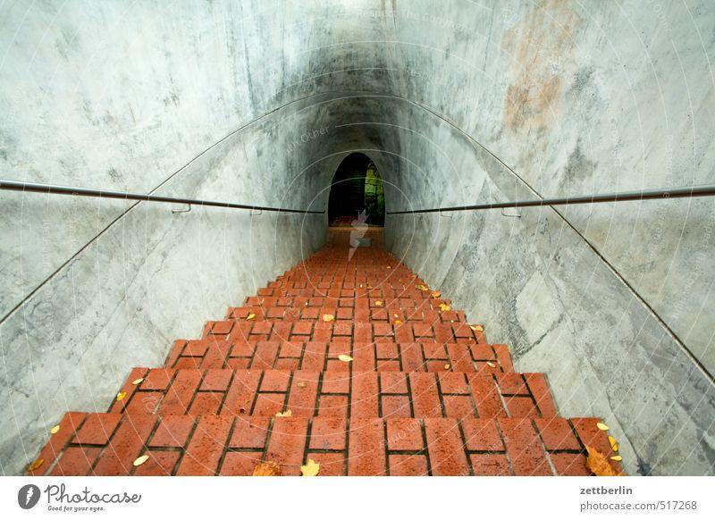 Irgendwas in Dresden Herbst Architektur Treppe Häusliches Leben wandern Beton Abenteuer rund geheimnisvoll Ziel Mitte Bauwerk Backstein Richtung Treppengeländer
