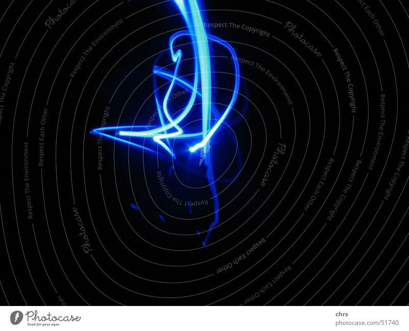 Lichtspielerei weich stechend dunkel Spielen Langzeitbelichtung blau hell Farbe Interesse Freiheit