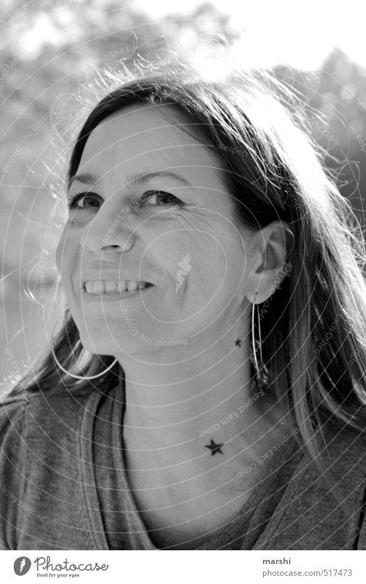 Bärensee 2013 | a star is born Stil Mensch feminin Frau Erwachsene Kopf brünett Gefühle Stimmung Stern (Symbol) Tattoo lachen Fröhlichkeit Freude Ohrringe