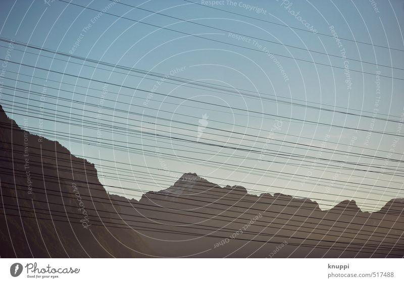 Natur-Strom Mensch blau weiß schwarz Berge u. Gebirge grau Felsen Energiewirtschaft modern Technik & Technologie Zukunft Elektrizität Industrie Gipfel Alpen