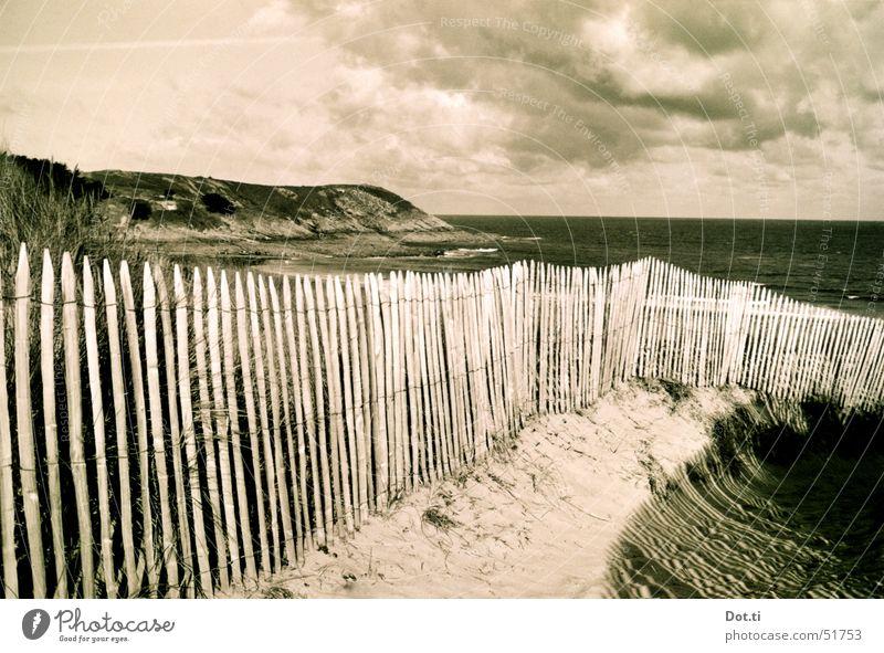 vacances en France Ferien & Urlaub & Reisen Sommer Strand Meer Natur Landschaft Sand Wasser Himmel Wolken Horizont Sonnenlicht Wetter Wind Felsen Küste Bucht