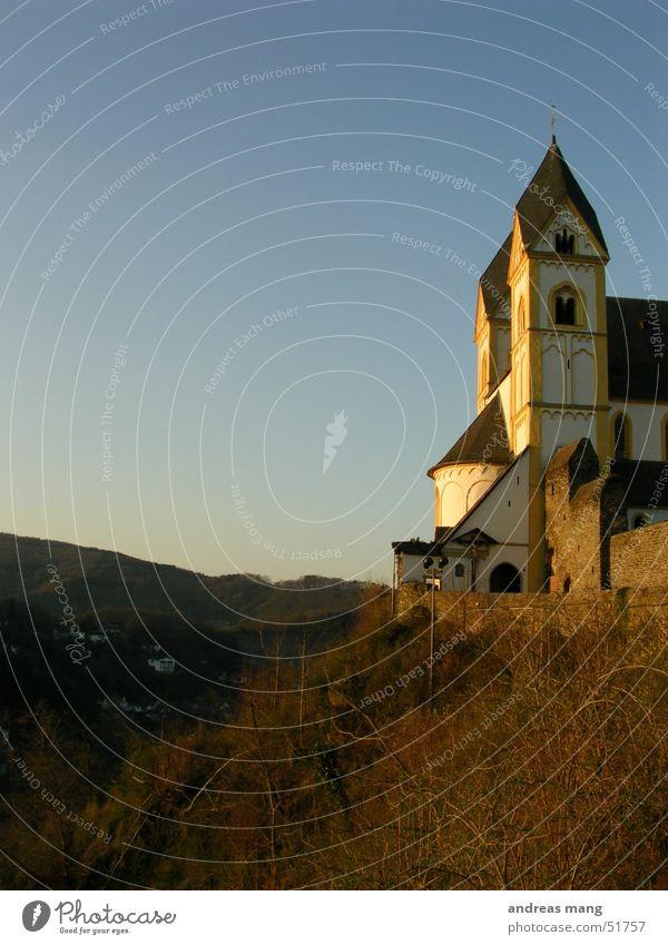 Kirche Berge u. Gebirge Religion & Glaube Turm Tal Kloster