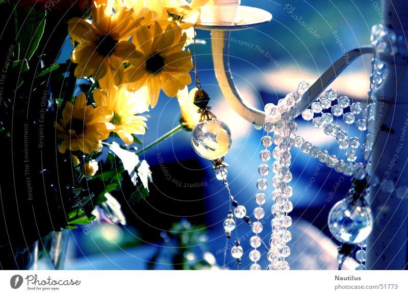 Kitsch en blue Blume blau gelb Perle Kette