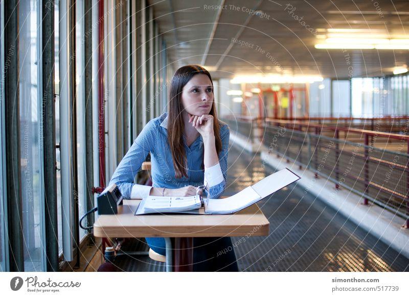 Konzentration Mensch feminin Schule Business Erfolg Perspektive lernen Studium planen Ziel Bildung Erwachsenenbildung Student Schüler Karriere Berufsausbildung