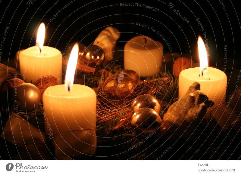 Adventskranz Weihnachten & Advent Kranz Kerze Kugel Flamme