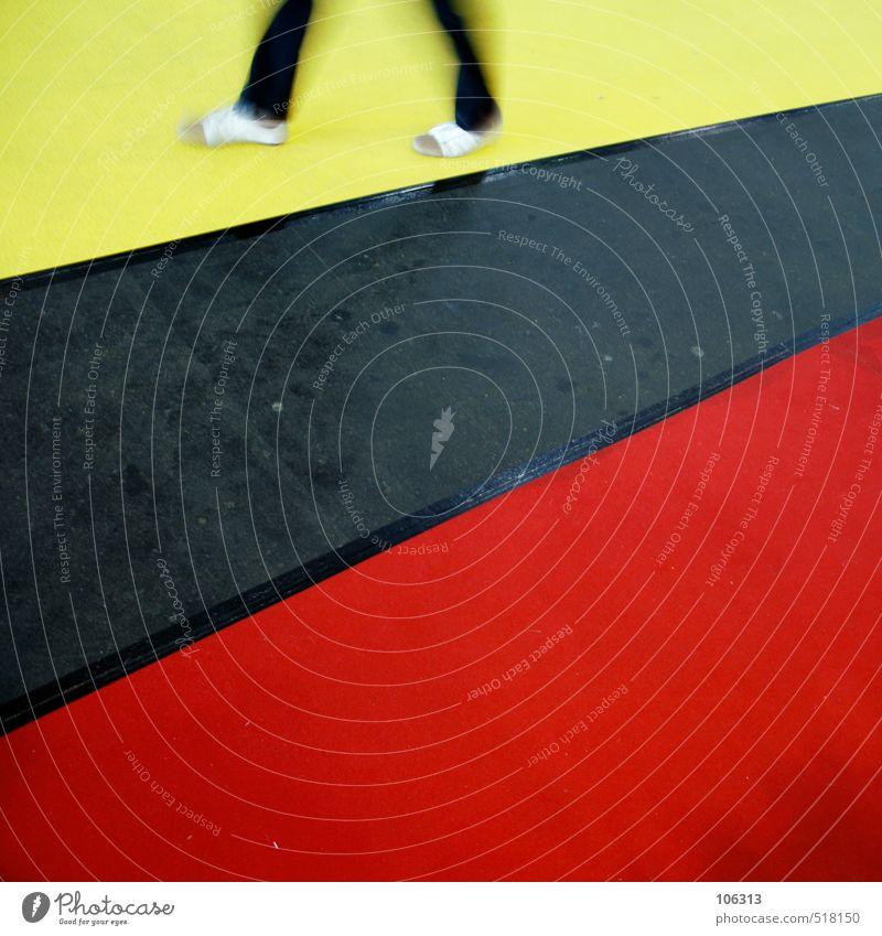 walking shit Mensch Beine 1 laufen Teppich rot gehen davon ausreisen Wege & Pfade Spaziergang Ziel Bewegung Sport Gesundheitswesen Richtung zielstrebig