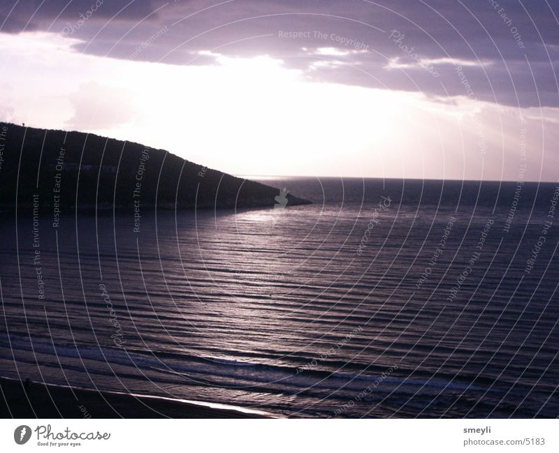 Himmelskontraste Meer Sonnenuntergang Sonnenaufgang Romantik Strand violett Stimmung ruhig Wellen Küste Wasser Berge u. Gebirge Abend Felsen