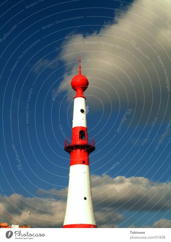 Leuchti Himmel weiß Meer blau rot Wolken Lampe Wasserfahrzeug Küste Hoffnung Richtung Leuchtturm kommen Wegweiser Signal Festland