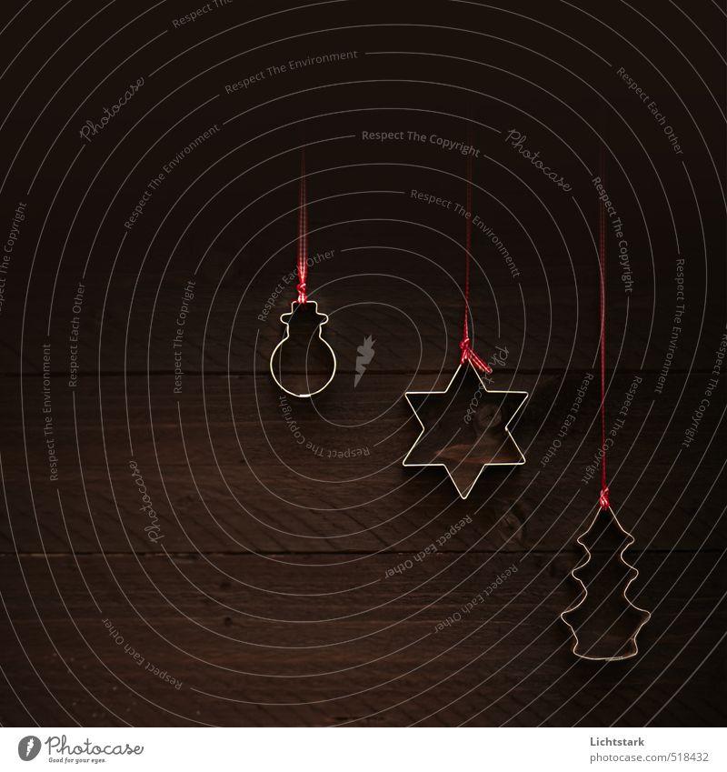 alle jahre wieder ... (happy merry christmas) Holz Metall Zeichen Schnur Schleife Strukturen & Formen braun rot silber Farbfoto Gedeckte Farben Studioaufnahme