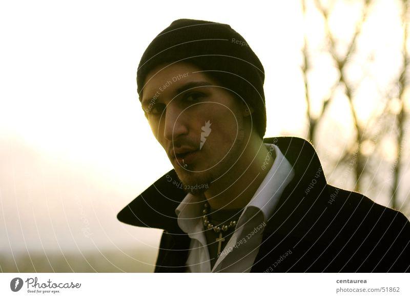 Onkel M #6 Kerl Porträt Gegenlicht geheimnisvoll Typ ..