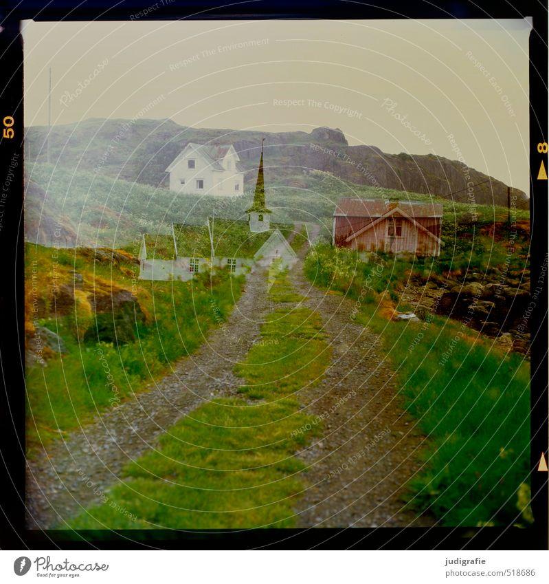 Vesterålen Umwelt Natur Landschaft Hügel Felsen Küste Vesteralen Norwegen Menschenleer Haus Hütte Kirche Bauwerk Gebäude Straße Wege & Pfade außergewöhnlich
