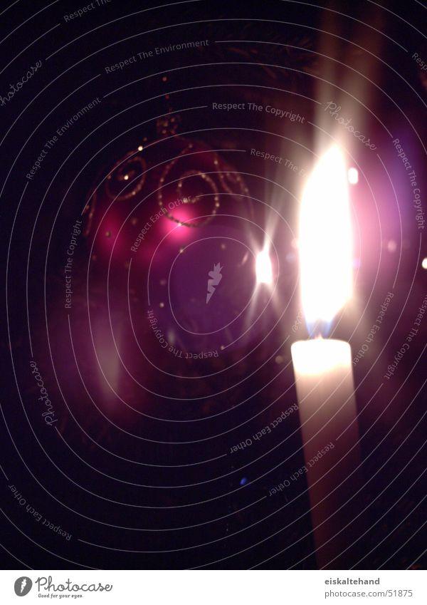 Kerze am Weihnachtsbaum brennen Licht Kugel Weihnachten & Advent hell