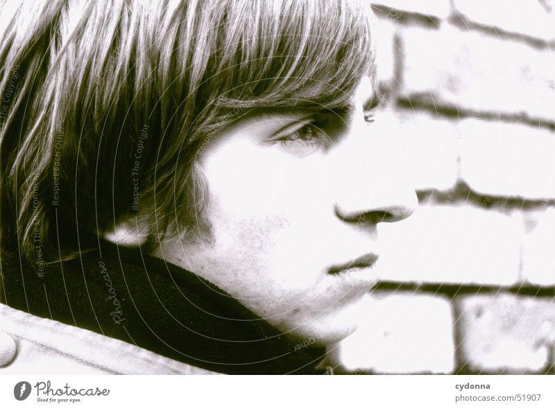 Thinking Mensch Mann Jugendliche Gesicht Einsamkeit Mauer Denken retro Konzentration Gesichtsausdruck ernst klassisch