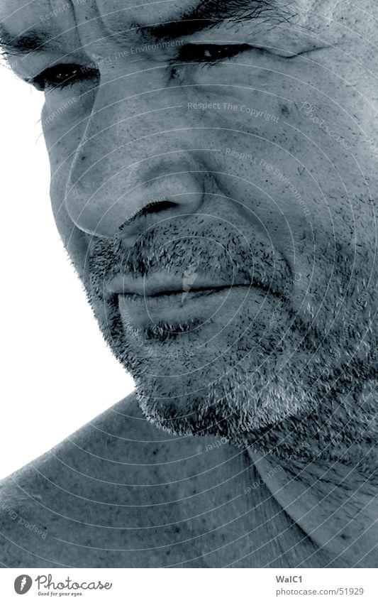 Grauer Star Mann alt Auge Mund Haut Nase Bart Augenbraue skeptisch Herr Leberfleck unrasiert