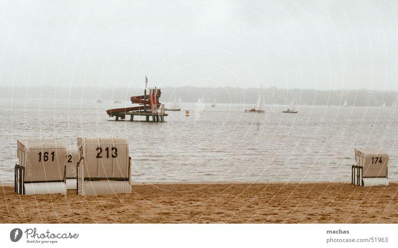 Wasserrutsche Wasserfahrzeug Herbst Meer Potsdam See Stimmung Strand Ferien & Urlaub & Reisen Wannsee Badeort Berlin Deutschland Himmel Landschaft Natur alt