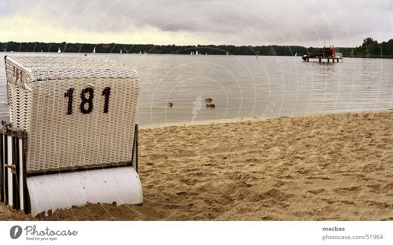 Strandkorb Natur Wasser alt Himmel Meer Strand Ferien & Urlaub & Reisen Berlin Herbst See Landschaft Wasserfahrzeug Stimmung Deutschland Brandenburg Potsdam