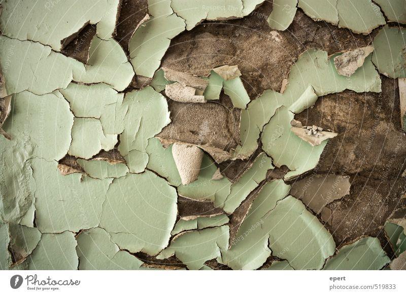 ut ruhrgebiet | Herbst Ruine Mauer Wand Farbstoff Putz Beton abblättern Riss Abbröckeln alt dehydrieren dreckig trashig trist trocken Verfall Vergänglichkeit