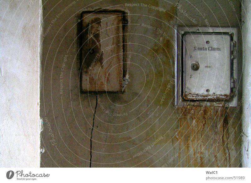 Santa´s Haustür Wand Mauer dreckig Tür Schornstein Kamin Aluminium Dachboden Brandasche Öffnung