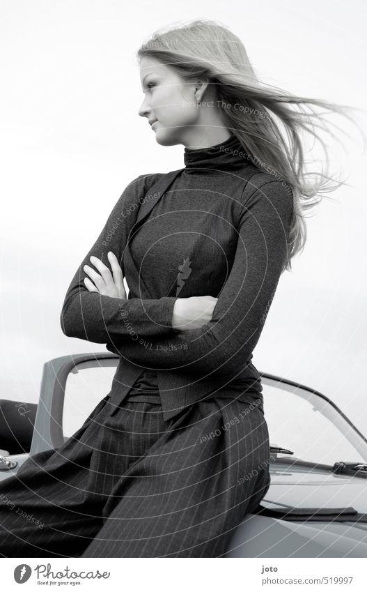frau Jugendliche schön Junge Frau Ferne Erotik feminin Freiheit PKW Kraft elegant sitzen frei warten Ausflug Coolness Macht