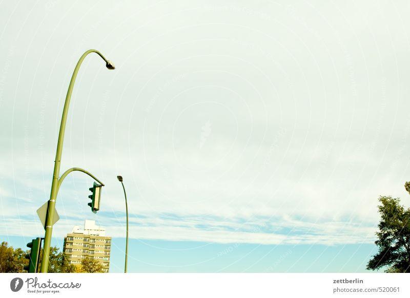 Südende Ferne Freiheit Sightseeing Städtereise wandern Häusliches Leben Wohnung Haus Natur Himmel Wolken Herbst Klima Klimawandel Wetter Schönes Wetter Baum