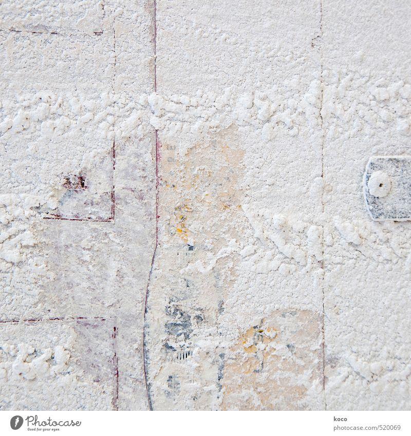 weiß wie schnee. Mauer Wand Fassade Stein Sand Linie alt gelb grau rot Verfall Schnee Farbfoto Gedeckte Farben Außenaufnahme Nahaufnahme Detailaufnahme abstrakt