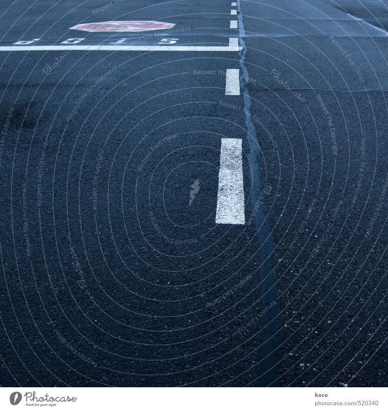 stop. weiß rot schwarz dunkel Straße Wege & Pfade grau Linie Verkehr Schilder & Markierungen Schriftzeichen Beton Hinweisschild einfach Zeichen Verkehrswege