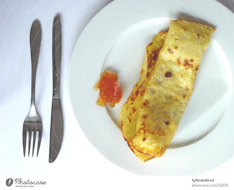 Dienstags Morgens Pfannkuchen Frühstück Marmelade Besteck Teller süß gelb gold-braun weiß Ernährung