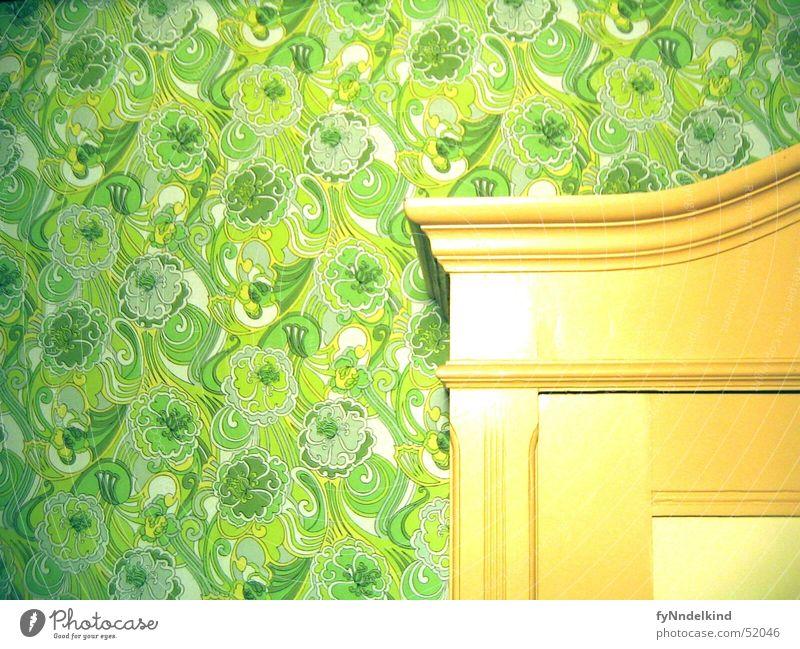 Wand-Schrank Wandschrank Einbauschrank Tapete Muster grün Blume Ornament alt