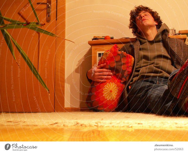 Emoh Mensch Mann Hand grün Blume Ferien & Urlaub & Reisen ruhig Einsamkeit Erholung Freiheit Gefühle Schuhe Zufriedenheit Tür Raum Wohnung