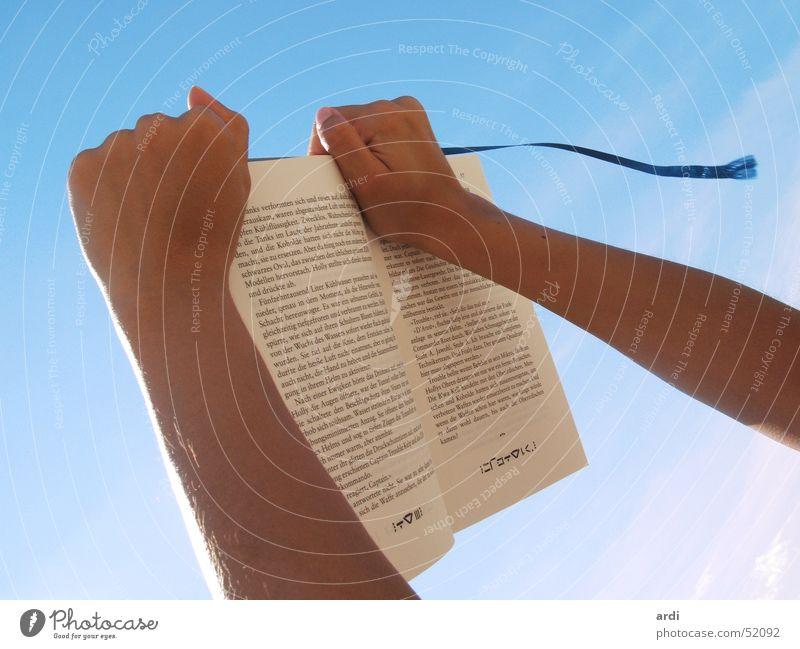 Urlaub Hand Himmel Sonne Sommer Ferien & Urlaub & Reisen Erholung Buch Arme lesen Freizeit & Hobby bequem