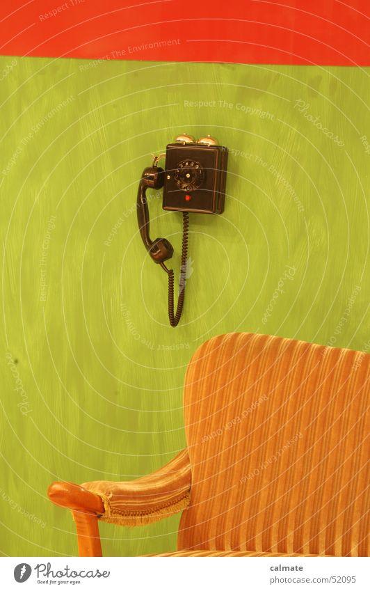 - retrophone I - Sitzgarnitur Telefon Ziffern & Zahlen Sitzgelegenheit Wählscheibe analog Sofa altes telefon alte möbel altmodisch polstergruppe