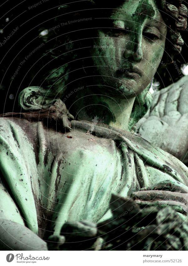 Trauriger Engel Traurigkeit Rose Trauer Statue Friedhof Grab Angelrute Arizona Bronze Grabmal Tombstone