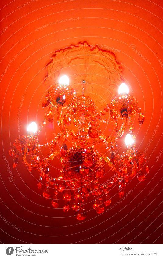 rot Kronleuchter Licht Glühbirne Kerze Stuck Detailaufnahme Farbe lüster Acryl Decke ...