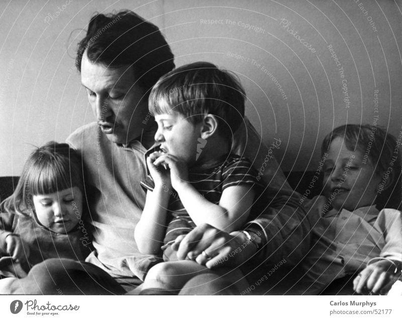 Familiengeschichten Kind ruhig Liebe sprechen Eltern Familie & Verwandtschaft lesen Vertrauen Vater Vergangenheit Tochter Erzählung Sohn vorlesen