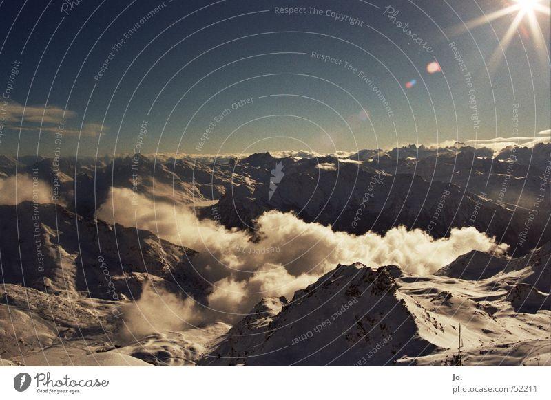 3200müNN Frankreich Wolken Unendlichkeit Ferne Ferien & Urlaub & Reisen Winter Außenaufnahme Val Thorens Berge u. Gebirge Alpen Sonne Schnee Natur Landschaft