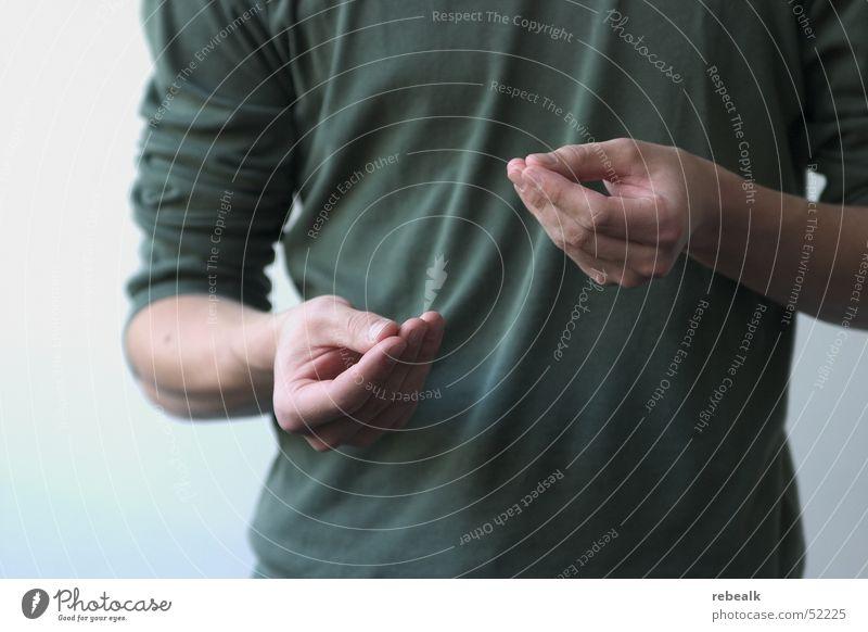 Körpersprache Hand grün sprechen Gefühle Kraft Erfolg Macht T-Shirt Kommunizieren Beratung Dienstleistungsgewerbe Konflikt & Streit positiv Willensstärke selbstbewußt gestikulieren